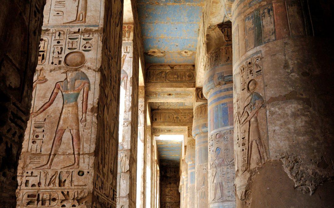 Zlatem cinkající mrtví – jak se pohřbíval faraon